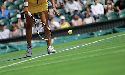 Grama sintética para campos de tênis